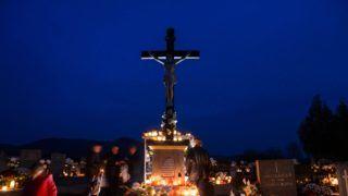 Karancslapujtõ, 2018. november 1. A Nógrád megyei Karancslapujtõ temetõje mindenszentek napján, 2018. november 1-jén. MTI/Komka Péter