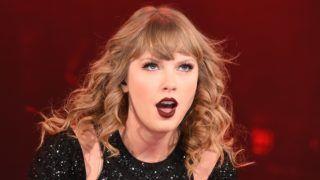 TOKYO, JAPAN - NOVEMBER 20:  Taylor Swift performs at Tokyo Dome on November 20, 2018 in Tokyo, Japan.  (Photo by Jun Sato/TAS18/Getty Images)