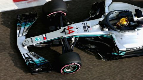 ABU DHABI, UNITED ARAB EMIRATES - NOVEMBER 24: Lewis Hamilton of Great Britain driving the (44) Mercedes AMG Petronas F1 Team Mercedes WO9 on track during final practice for the Abu Dhabi Formula One Grand Prix at Yas Marina Circuit on November 24, 2018 in Abu Dhabi, United Arab Emirates.  (Photo by Charles Coates/Getty Images)