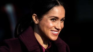 LONDON, ENGLAND - NOVEMBER 21: Meghan, The Duchess of Sussex visits the Hubb Community Kitchen to see how funds raised by the 'Together: Our Community' Cookbook are making a difference at Al Manaar, North Kensington on November 21, 2018 in London, England. (Photo by Jack Taylor/Getty Images)