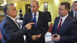Ohrid, 2017. szeptember 28.Orbán Viktor miniszterelnök, Janez Jansa egykori szlovén miniszterelnök, az ellenzéki, jobbközép Szlovén Demokrata Párt (SDS) elnöke és Nikola Gruevszki korábbi kormányfő, a kormányzó jobboldali Belső Macedón Forradalmi Szervezet - Macedón Nemzeti Egység Demokratikus Pártja (VMRO-DPMNE) vezetője (b-j) megbeszélést folytat Ohridban 2017. szeptember 28-án. (MTI/EPA/Aleksandar Kovacevski)