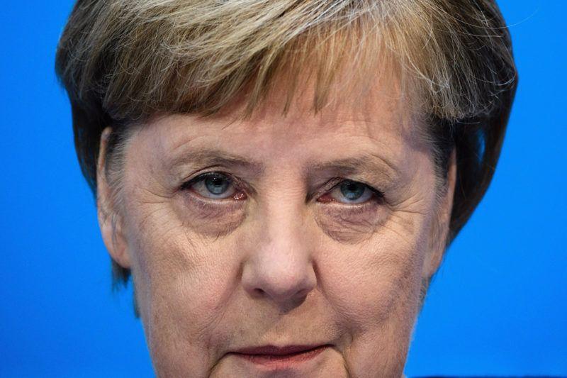 Berlin, 2018. november 5.Angela Merkel német kancellár, a Kereszténydemokrata Unió (CDU) vezetője a párt rendkívüli elnökségi ülésének második napi tanácskozása utáni sajtóértekezleten Berlinben 2018. november 5-én. Merkel október 29-én bejelentette, hogy nem indul újra a CDU elnöki posztjáért a decemberi tisztújításon.MTI/EPA/Clemens Bilan