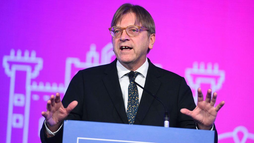 Madrid, 2018. november 9.Guy Verhofstadt, a Liberálisok és Demokraták Szövetsége Európáért (ALDE) pártcsoport frakcióvezetője felszólal a csoport kétnapos madridi kongresszusának nyitónapján, 2018. november 9-én.MTI/EPA/EFE/Fernando Villar