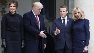 Párizs, 2018. november 10.Emmanuel Macron francia államfő (j2) és felesége, Brigitte Macron (j), valamint Donald Trump amerikai elnök (b2) és felesége, Melania Trump a párizsi államfői rezidencián, az Elysée-palotában folytatott megbeszélésük után 2018. november 10-én. Trump az első világháborút lezáró fegyverszünet 1918. november 11-ei aláírásának 100. évfordulója alkalmából rendezendő ünnepségsorozatra érkezett Franciaországba.MTI/EPA/Ian Langsdon