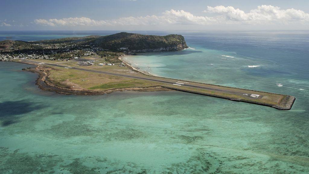 Piste d'atterrissage, aéroport de Dzaoudzi-Pamandzi, Petite Terre, Mayotte