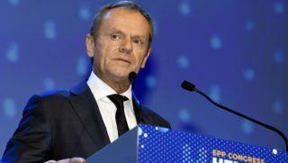 Helsinki, 2018. november 8. Donald Tusk, az Európai Tanács elnöke felszólal az Európai Néppárt (EPP) kétnapos kongresszusának második napi tanácskozásán Helsinkiben 2018. november 8-án. A kongresszuson várhatóan megválasztják a pártcsalád csúcsjelöltjét a 2019-es európai parlamenti választásokra. MTI/AP/Markku Ulander