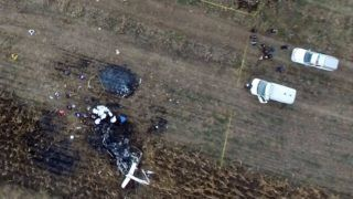 Ariel view of the scene of a helicopter accident in which the governor of the Mexican state of Puebla, Martha Erika Alonso, and her husband, senator and former governor of the same region, Rafael Moreno, died when the chopper plummeted to the ground in San Pedro Tlaltenango after taking off from nearby Puebla, on December 24, 2018. - The cause of the accident is still unknown. (Photo by STR / AFP)