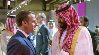 """Saudi Crown Prince Mohammed bin Salman (R) meets with French President Emmanuel Macron in Buenos Aires during the G20 Leaders' Summit, on November 30, 2018. - G20 powers open two days of summit talks on Friday after a stormy buildup dominated by tensions with Russia and US President Donald Trump's combative stance on trade and climate fears. (Photo by Bandar AL-JALOUD / Saudi Royal Palace / AFP) / XGTY / RESTRICTED TO EDITORIAL USE - MANDATORY CREDIT """"AFP PHOTO / SAUDI ROYAL PALACE / BANDAR AL-JALOUD"""" - NO MARKETING - NO ADVERTISING CAMPAIGNS - DISTRIBUTED AS A SERVICE TO CLIENTS"""