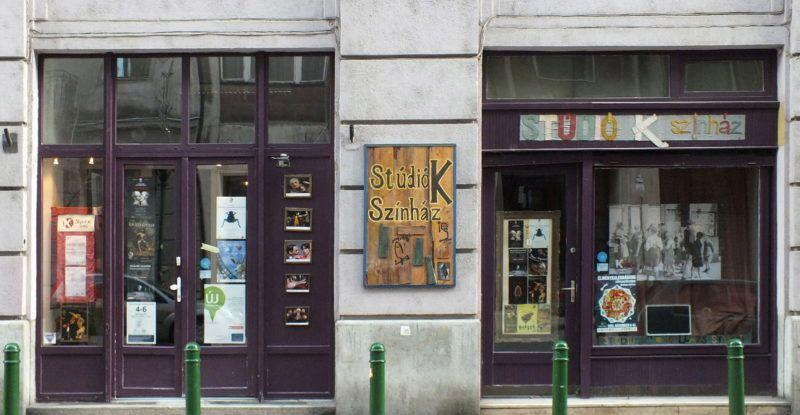 Budapest, 2013. január 4. A Stúdió K Színház bejárata a IX. kerületben, a Ráday utcában. MTVA/Bizományosi: Nagy Zoltán  *************************** Kedves Felhasználó! Az Ön által most kiválasztott fénykép nem képezi az MTI fotókiadásának, valamint az MTVA fotóarchívumának szerves részét. A kép tartalmáért és a szövegért a fotó készítõje vállalja a felelõsséget.