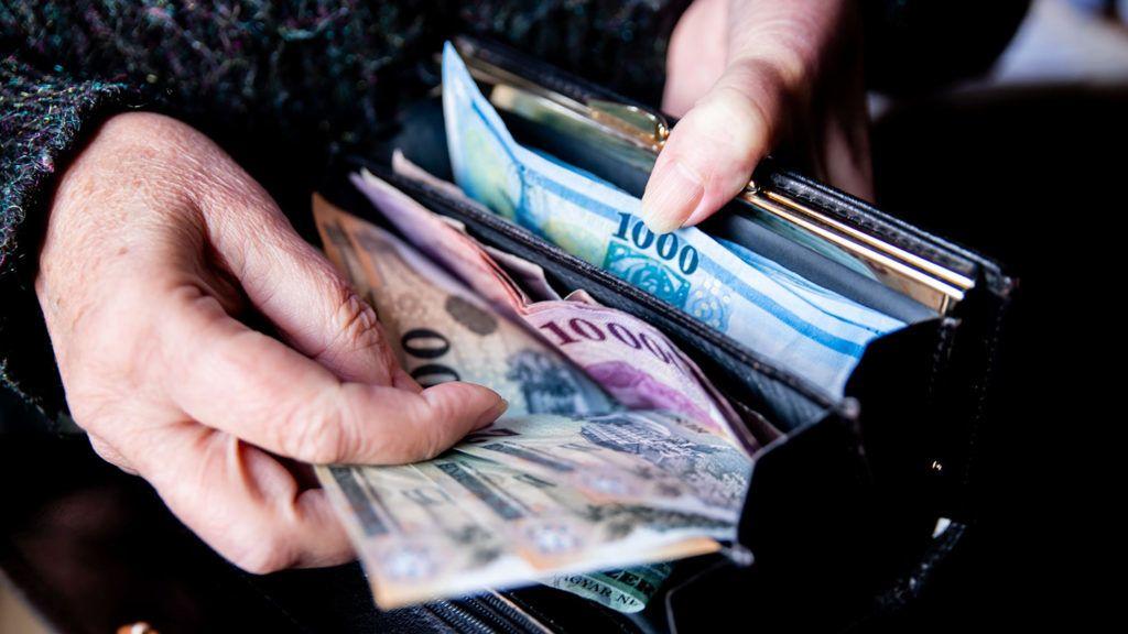 Havi 150 ezer forint lehet a minimálbér