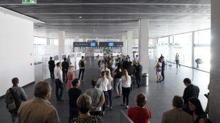 Budapest, 2018. szeptember 13. Résztvevõk a Liszt Ferenc-repülõtér új utasmólójának avatásán 2018. szeptember 13-án. MTI Fotó: Kovács Tamás