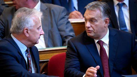 Budapest, 2018. szeptember 17. Orbán Viktor miniszterelnök (j) és Semjén Zsolt miniszterelnök-helyettes az Országgyûlés plenáris ülésén 2018. szeptember 17-én. MTI Fotó: Kovács Tamás