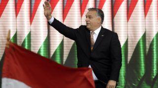 Budapest, 2018. október 23. Orbán Viktor miniszterelnök beszédet mond az 1956-os forradalom és szabadságharc kitörésének 62. évfordulóján tartott megemlékezésen a fõvárosi Terror Háza Múzeumnál 2018. október 23-án. MTI/Kovács Tamás