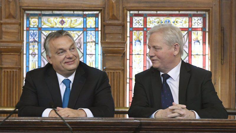 Budapest, 2018. november 17. Orbán Viktor miniszterelnök (b) és Tarlós István fõpolgármester a fõváros napján, Budapest egyesítésének 145. évfordulója alkalmából tartott ünnepségen az Újvárosháza dísztermében 2018. november 17-én. MTI/Koszticsák Szilárd