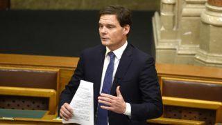 Budapest, 2018. november 27. Bánki Erik, a Fidesz képviselője felszólal a sportról szóló törvény olimpiai járadékkal összefüggő módosításáról szóló vitában az Országgyűlés plenáris ülésén 2018. november 27-én. MTI/Bruzák Noémi