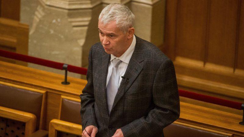 Budapest, 2018. november 26. Polt Péter legfõbb ügyész azonnali kérdésre válaszol az Országgyûlés plenáris ülésén 2018. november 26-án. MTI/Balogh Zoltán