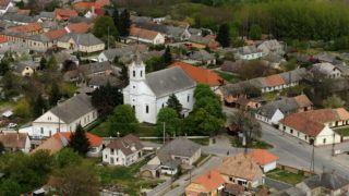 Madocsa, 2011. április 16. A Tolna megyei Madocsa látképe. MTI Fotó: H. Szabó Sándor