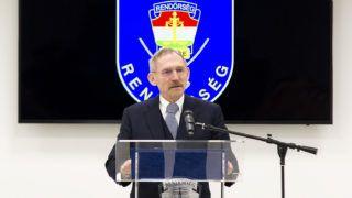 Győr, 2018. április 5.Pintér Sándor belügyminiszter a Készenléti Rendőrség nyugat-magyarországi határrendészeti igazgatósága győri határvadász bevetési osztályának és a Nemzeti Nyomozó Iroda győri bűnüldözési osztályának elhelyezésére szolgáló győri épületegyüttes átadásán 2018. április 5-én. Az 5429 négyzetméter alapterületű épületegyüttest több mint 2,8 milliárd forintból alakították ki.MTI Fotó: Krizsán Csaba
