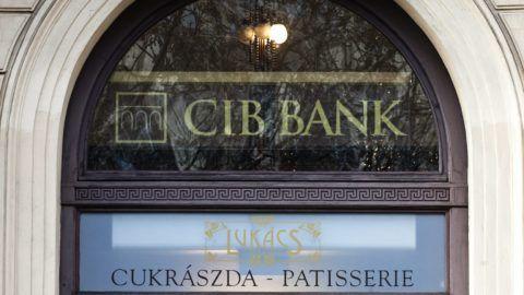 Budapest, 2011. december 8. A CIB Bank VI. kerület Andrássy út 70. szám alatti fiókja. A CIB Bank Zrt. 2011. december 22-tõl, illetve 23-tól hét budapesti és négy vidéki fiókját zárja be. MTI Fotó: Szigetváry Zsolt