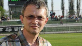 Kaposvár, 2011. április 20.Garancsi István a Videoton tulajdonosa, akit Orbán Viktor miniszterelnök április 18-i hatállyal egy évi időtartamra megbízta a természetjáró és kerékpáros turizmus, úthálózat és közlekedés fejlesztéséért felelős miniszterelnöki megbízotti feladatok ellátásával. A miniszterelnöki megbízott e tevékenységét díjazás nélkül látja el. A miniszterelnöki megbízott működését a miniszterelnök irányítja. A felvétel a Kaposvári Rákóczi FC stadionjában készült.MTI Fotó: Vigh István Ádám
