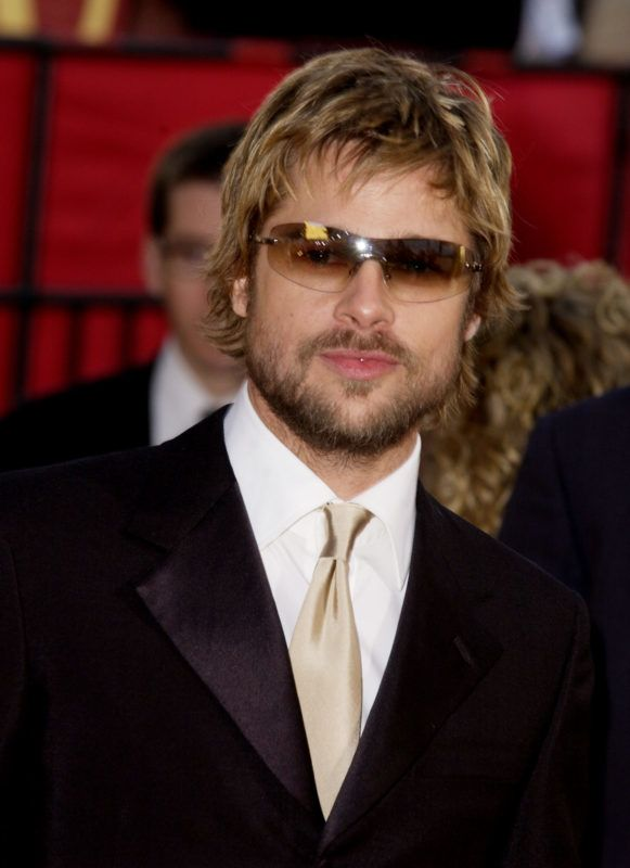 Brad Pitt wearing Burberry 8933S sunglasses arrives at the Golden Globe Awards at the Beverly Hilton January 20, 2002 in Beverly Hills, California. (Photo by SGranitz/WireImage)