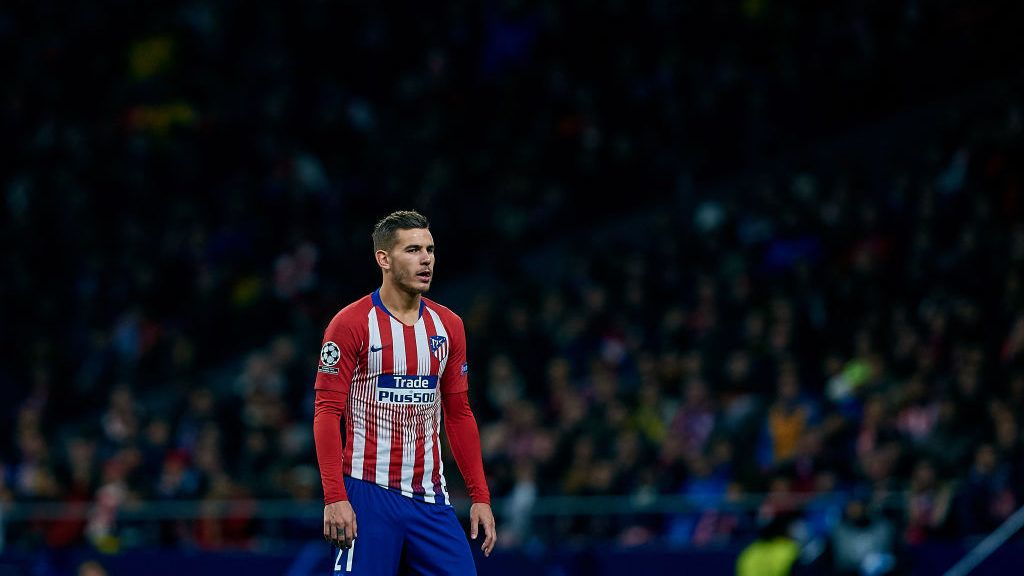 MADRID, SPAIN - NOVEMBER 06: Lucas Hernandez of Atletico de Madrid looks on during the Group A match of the UEFA Champions League between Club Atletico de Madrid and Borussia Dortmund at Estadio Wanda Metropolitano on November 6, 2018 in Madrid, Spain. (Photo by David Aliaga/MB Media/Getty Images)