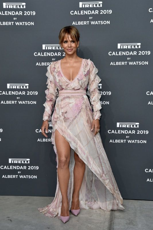 MILAN, ITALY - DECEMBER 05:  Halle Berry walks the red carpet ahead of the 2019 Pirelli Calendar launch gala at HangarBicocca on December 5, 2018 in Milan, Italy.  (Photo by Jacopo Raule/Getty Images)