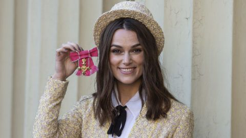 LONDON, ENGLAND - DECEMBER 13: Keira Knightley with her OBE (Officer of the Order of the British Empire) at Buckingham Palace on December 13, 2018 in London, England. at Buckingham Palace on December 13, 2018 in London, England.  (Photo by Julian Simmonds - WPA Pool/Getty Images)