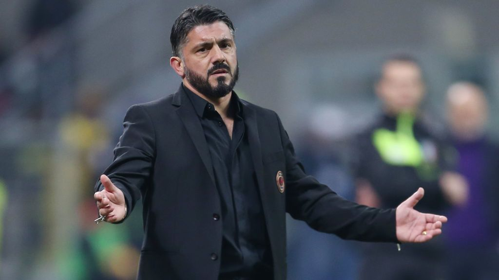 MILAN, ITALY - DECEMBER 22:  AC Milan head coach Gennaro Gattuso shows his dejection during the Serie A match between AC Milan and ACF Fiorentina at Stadio Giuseppe Meazza on December 22, 2018 in Milan, Italy.  (Photo by Getty Images/Getty Images)