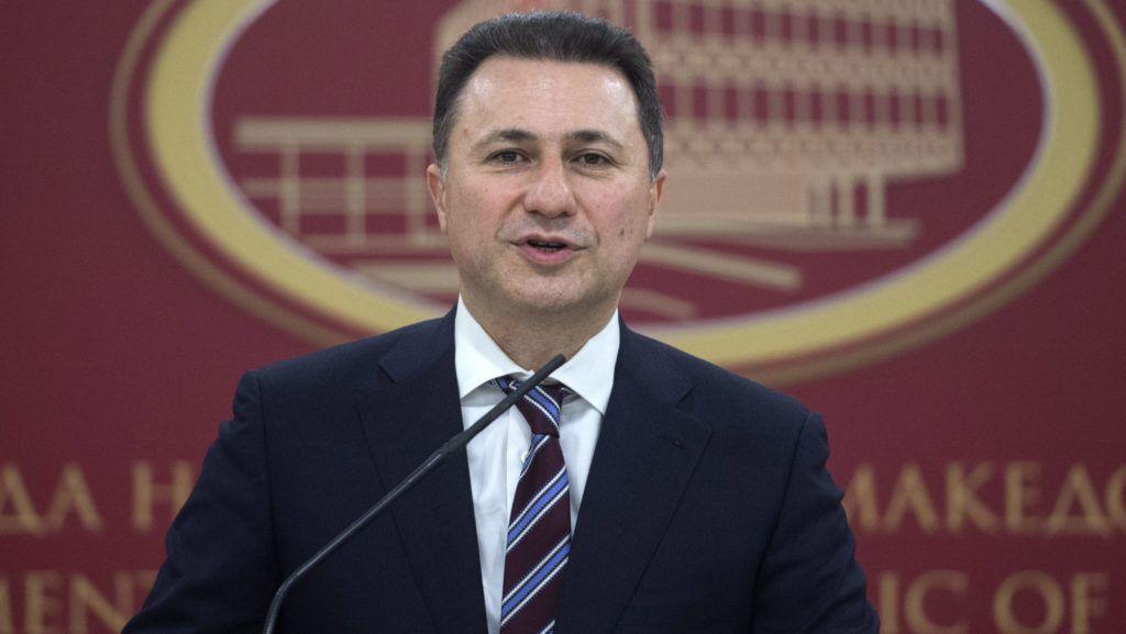 Szkopje, 2016. január 14. Nikola Gruevszki macedón kormányfõ az állami televízióban is közvetített beszédében bejelenti lemondását Szkopjéban 2016. január 14-én. Gruevszki lemondásával lehetõvé teszi az elõre hozott választások kiírását, amelyet várhatóan április 24-én rendeznek. (MTI/EPA/Georgi Licovski)