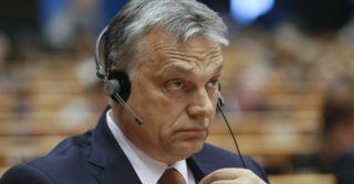 Brüsszel, 2017. április 26. Orbán Viktor miniszterelnök felszólalására vár az Európai Parlament (EP) plenáris ülésén Brüsszelben 2017. április 26-án. (MTI/EPA/Olivier Hoslet)