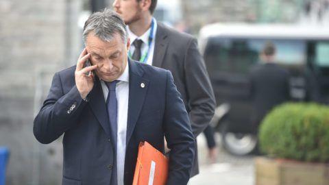 Brüsszel, 2015. december 17. Az Európai Néppárt által közreadott képen Orbán Viktor miniszterelnök a konzervatív Európai Néppárt, az EPP csúcsértekezletére érkezik, amelyet az Európai Unió brüsszeli csúcstalálkozója elõtt tartanak 2015. december 17-én. (MTI/Európai Néppárt)