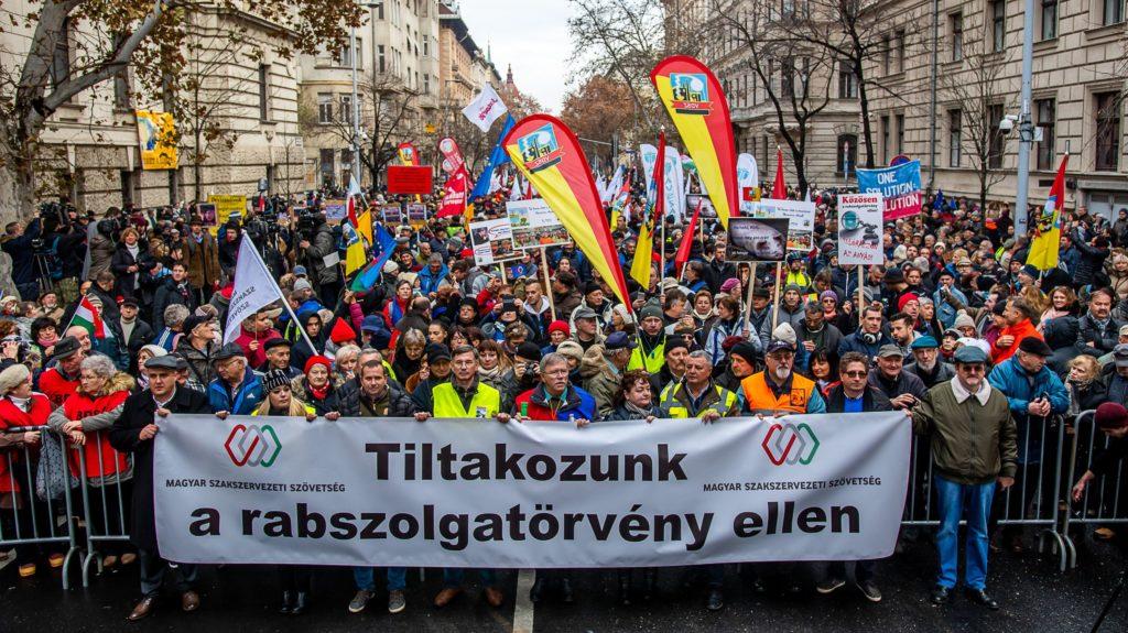 Gyengült a Fidesz, erősödött az ellenzék