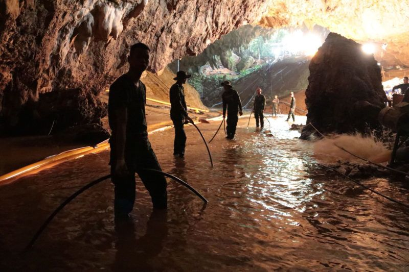 """This undated handout photo taken recently and released by the Royal Thai Navy on July 7, 2018 shows Thai Navy soldiers in the flooded Tham Luang cave during rescue operations for the 12 boys and their football team coach trapped in the cave at Khun Nam Nang Non Forest Park in the Mae Sai district of Chiang Rai province. (Photo by Handout / ROYAL THAI NAVY / AFP) / XGTY - RESTRICTED TO EDITORIAL USE - MANDATORY CREDIT """"AFP PHOTO / ROYAL THAI NAVY"""" - NO MARKETING NO ADVERTISING CAMPAIGNS - DISTRIBUTED AS A SERVICE TO CLIENTS"""