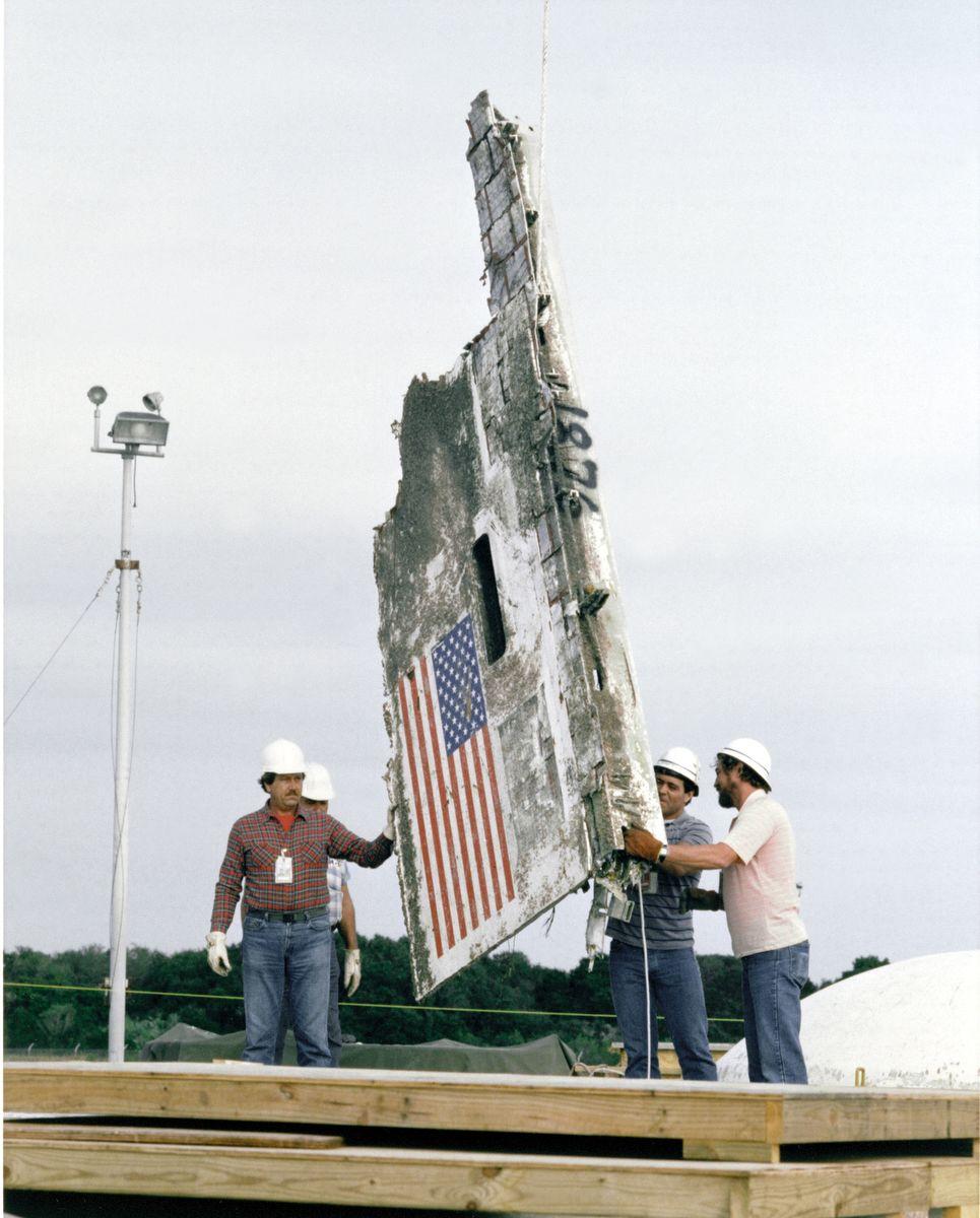 A felrobbant űrrepülő egyik darabjaFotó: Johnson Space Center / NASA