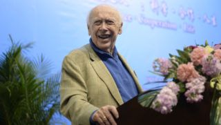 American molecular biologist James Watson, one of the co-discoverers of the structure of DNA and the winner of 1962 Nobel Prize in Physiology or Medicine, delivers a speech during a lecture in Sichuan University in Chengdu city, southwest China's Sichuan province, 2 April 2017.