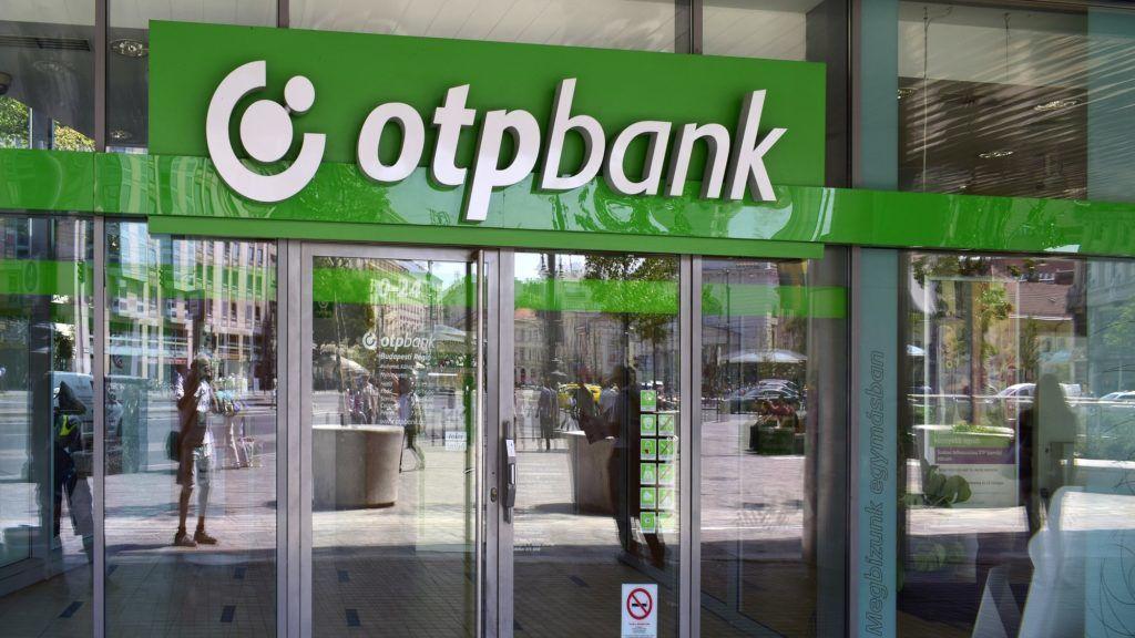 Budapest, 2017. augusztus 11. Az OTP Bank Kálvin téri fiókjának bejárata. MTVA/Bizományosi: Róka László  *************************** Kedves Felhasználó! Ez a fotó nem a Duna Médiaszolgáltató Zrt./MTI által készített és kiadott fényképfelvétel, így harmadik személy által támasztott bárminemû – különösen szerzõi jogi, szomszédos jogi és személyiségi jogi – igényért a fotó készítõje közvetlenül maga áll helyt, az MTVA felelõssége e körben kizárt.