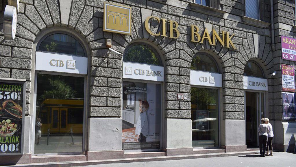 Budapest, 2017. augusztus 14.A CIB Bank fiókja a Teréz körút 17-ben.MTVA/Bizományosi: Róka László ***************************Kedves Felhasználó!Ez a fotó nem a Duna Médiaszolgáltató Zrt./MTI által készített és kiadott fényképfelvétel, így harmadik személy által támasztott bárminemű – különösen szerzői jogi, szomszédos jogi és személyiségi jogi – igényért a fotó készítője közvetlenül maga áll helyt, az MTVA felelőssége e körben kizárt.