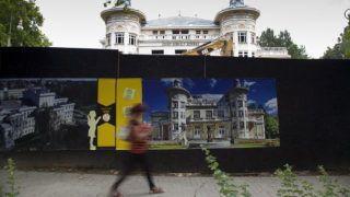 Kaposvár, 2017. július 14.A felújítás alatt álló kaposvári Csiky Gergely Színház 2017. július 14-én.MTI Fotó: Varga György