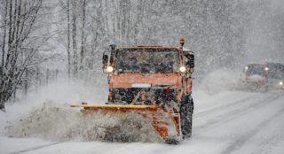 Salgótarján, 2019. január 5. Hókotró a hóesésben Salgótarjánban 2019. január 5-én. MTI/Komka Peter