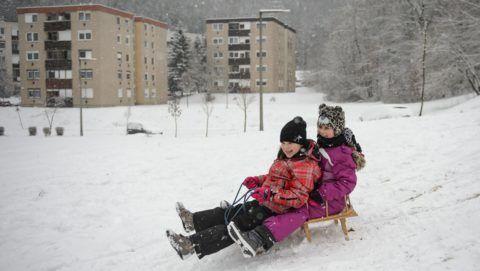 Salgótarján, 2019. január 5. Szánkózó gyerekek Salgótarjánban 2019. január 5-én. MTI/Komka Peter