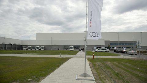 Gyõr, 2013. június 12. Az Audi gyõri jármûgyára, ahol megkezdték az A3 Limousine sorozatgyártását 2013. június 12-én. MTI Fotó: Koszticsák Szilárd