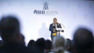 Felcsút, 2018. október 13.Orbán Viktor miniszterelnök beszédet mond a Puskás Akadémia Sport- és Konferenciaközpont átadó ünnepségén Felcsúton 2018. október 13-án.MTI Fotó: kormany.hu