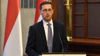 Budapest, 2018. december 28. Varga Mihály pénzügyminiszter sajtótájékoztatót tart az idei gazdasági növekedésrõl a Pénzügyminisztériumban 2018. december 28-án. Varga Mihály szerint a magyar gazdaság idén is jól teljesít, ebben az évben az elsõ háromnegyed évben 4,2 százalékos volt a növekedés, emiatt a tárca szerint az év egészét tekintve várhatóan 4,6 százalékos lesz a gazdasági bõvülés. MTI/Máthé Zoltán