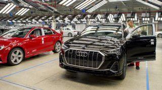 Gyõr, 2018. szeptember 20. Audi Q3 modell az Audi Hungária Zrt. gyõri jármûgyártó csarnokában, a társaság alapításának 25 éves évfordulõja alkalmából rendezett ünnepség után 2018. szeptember 20-án. MTI Fotó: Krizsán Csaba