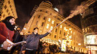 Budapest, 2018. december 31. Szilveszterezõk a budapesti Vörösmarty téren 2018. december 31-én. MTI/Mónus Márton