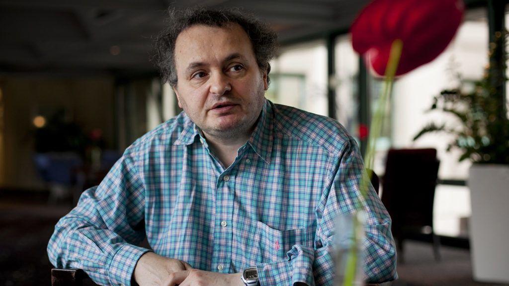 Budapest, 2011. október 7.Galla Miklós humorista, zenész interjút ad a Magyar Távirati Irodának egy budapesti szállodában. MTI Fotó: Mohai Balázs