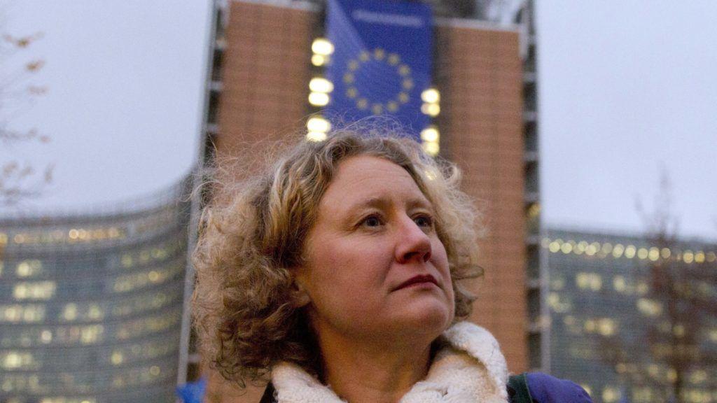 Brussels, 2019. január 8. Judith Sargentini zöld párti és Szanyi Tibor MSZP-s európai parlamenti képviselõ egy Orbán Viktor miniszterelnök politikája ellen tiltakozó brüsszeli tüntetésen a Robert Schuman téren 2019. január 8-án. A tüntetést a Radikális Európai Demokraták (RED) és a Momentum szervezte. MTI/AP/Virginia Mayo