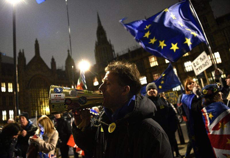 London, 2019. január 15. A brexitet támogatók tüntetnek a londoni parlament elõtt 2019. január 15-én. A brit parlament alsóháza ezen a napon szavaz a brit európai uniós tagság megszûnésének (brexit) feltételeirõl szóló megállapodásról. MTI/EPA/Neil Hall