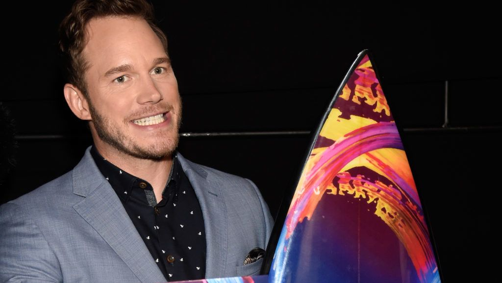 INGLEWOOD, CA - AUGUST 12:  Chris Pratt poses with the Choice Summer Movie Actor award backstage during FOX's Teen Choice Awards at The Forum on August 12, 2018 in Inglewood, California.  (Photo by Kevin Mazur/Fox/Getty Images for FOX)